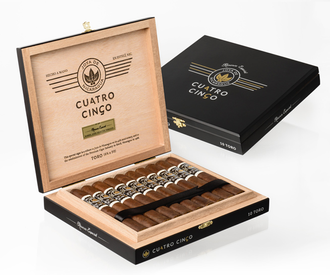 Boxes of Cuatro Cinco Reserva Especial