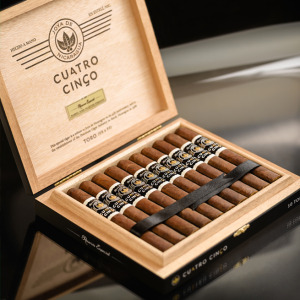 cuatro cinco reserva especial open box