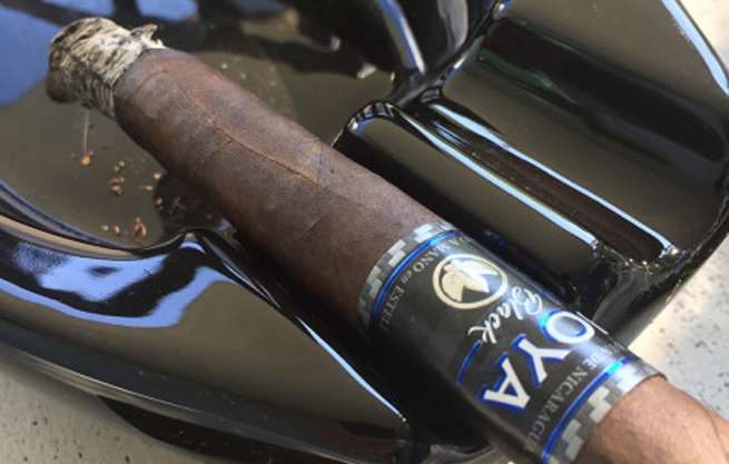 joya-black-cigar-enthusiast